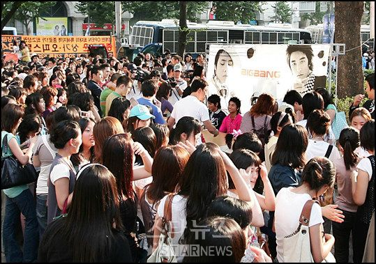 bigbang-first-fan-sign_014