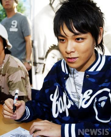 bigbang-first-fan-sign_018